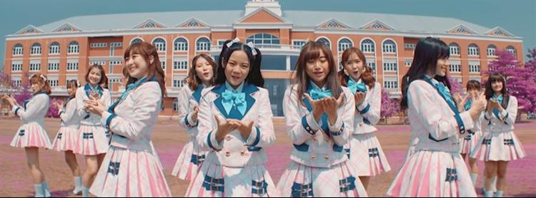 "BNK48 6th Single ""Beginner"" Handshake"